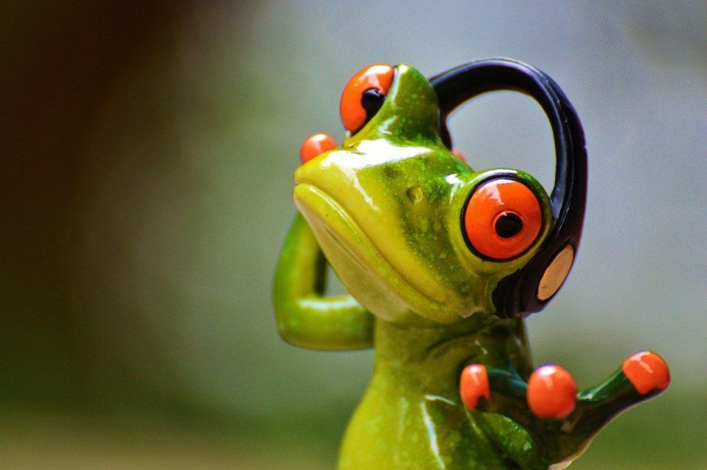 frogs, headphones, music-903221.jpg